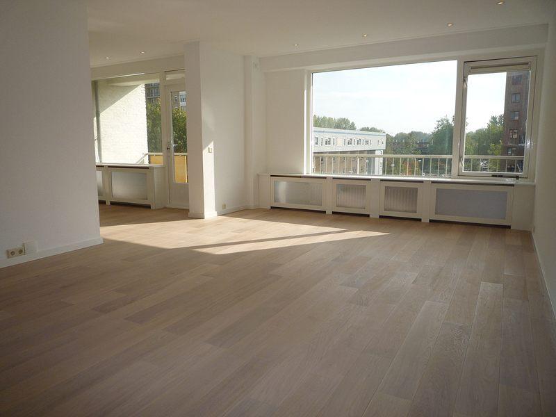 Donkere Keuken Lichter Maken : Donkere Keuken Lichter Maken Houten vloeren showroom en