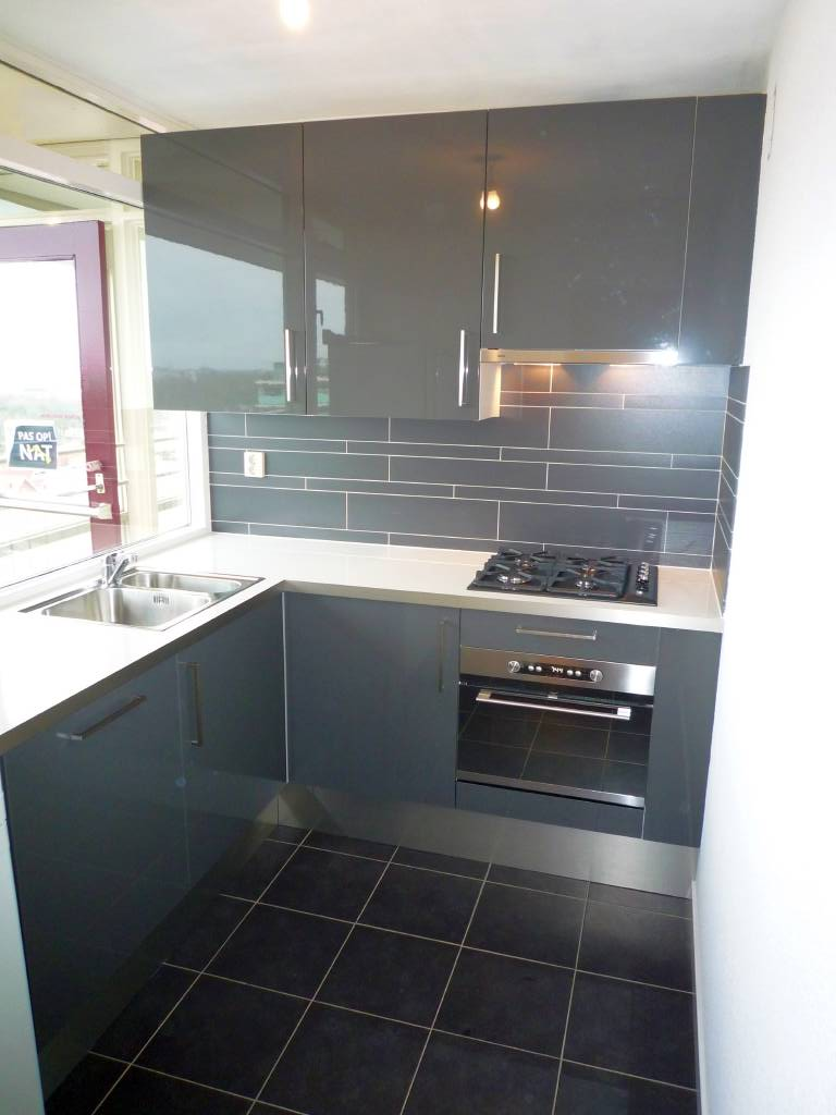 Grijze Keuken Met Wit Blad : Vlaardingerdijk, Schiedam-West Maelion