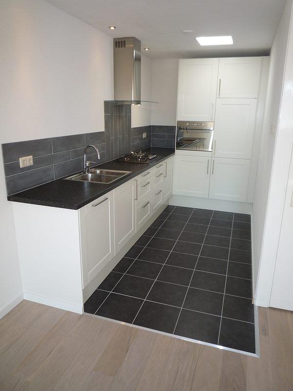 Donkere Keuken Vloer : Nieuwstraat, Schiedam-centrum Maelion
